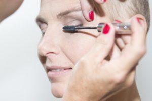 -mascara-look-good-feel-better-oog-opslag-wimpers-make-up-kanker-chemo-aandacht-tips-advies-hoe-verwijderen.-