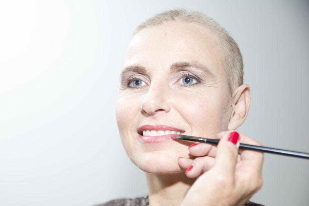 lipstick-lach-look-good-feel-better-kleur-verzorging-uiterlijk-tip-advies-kanker-chemo-goed