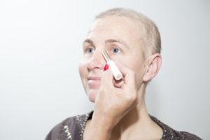 camoufleren-look-good-feel-better-wallen-rode-vlekken-rood-huid-vermoeid-frisse-uitstraling-uiterlijk-verzorging-aandacht-advies-kanker-chemo-bestraling