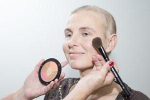 blush-bronzing-poeder-terracotta-wangen-kleur-accent-uiterlijk-verzorging-kanker-chemo-vale-huid-bestralen-aandacht-tip-advies-tutorial-make-up-